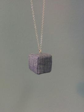 Origami-Würfel aus Hemdenstoff
